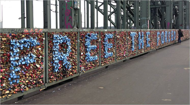 love-padlocks-on-hohenzollern-bridge